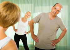 Senior people on fitness with instructor Royalty Free Stock Photos