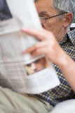 Senior Reading newspapers Royalty Free Stock Photography