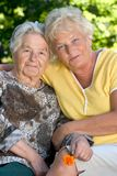 senior two women Στοκ φωτογραφίες με δικαίωμα ελεύθερης χρήσης