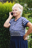 Senior woman calling on phone Royalty Free Stock Photo