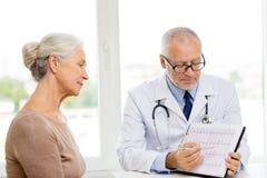 Senior woman and doctor meeting Fotografía de archivo