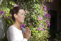 Senior woman doing yoga Royalty Free Stock Photography
