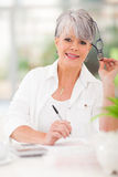 Senior woman finances Royalty Free Stock Photos