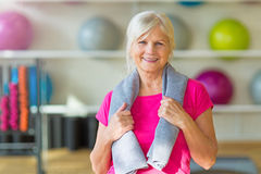 Senior woman at the gym Royalty Free Stock Photos