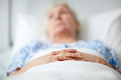 Senior woman in hospital Royalty Free Stock Photos