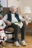 Senior Woman knitting Royalty Free Stock Images