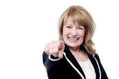 Senior woman pointing finger Royalty Free Stock Photos