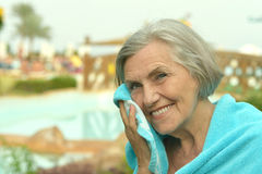 Senior woman at resort vacation Royalty Free Stock Images