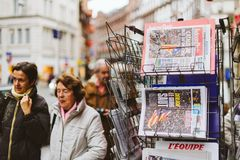 Senior women news from Spain about the Catalonia Referendum Royalty Free Stock Photography