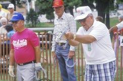 Seniory bawić się podkowy, St ludwik Missouri, olimpiada USA Krajowe Starszych Obywatelów Olimpiady Fotografia Stock