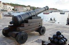Senj, Croatie Vieux canon Photo stock