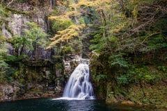 Senju nedgång, Akame 48 vattenfall Arkivfoto