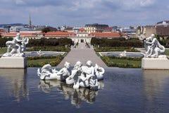 Senken Sie Belverdere-Palast - Wien - Österreich stockbild