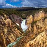 Senken Sie Fälle des Yellowstone vom Künstler Point Lizenzfreie Stockbilder