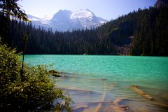 Senken Sie Joffre Lake herein BC, Kanada Stockfotos