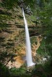 Senken Sie Pericnik Wasserfall Stockfotografie