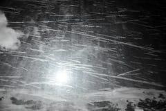 Senken Sie Schneeverwehungen in den Bergen, natirvik Lizenzfreie Stockfotos