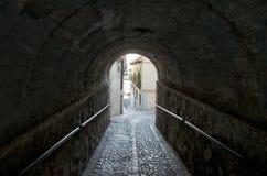 Senken Sie Schritt von Toledo, Tunnel Stockfotos