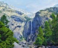 Senken Sie Yosemite Falls in Yosemite Nationalpark, Kalifornien, Vereinigte Staaten stockbild