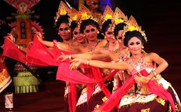 Senkuni dance. A number of artists from SMK 3 Sukawati filmed entitled King Sakuni Winaya Closing Party at the art of Bali to 35 at Open Stage Ardha Candra Stock Photo