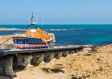 Sennen liten viklivräddningsbåt Cornwall Arkivfoto