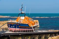 Sennen liten viklivräddningsbåt Cornwall Royaltyfria Bilder
