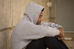 Sensación adolescente joven afroamericana presionada Imagen de archivo