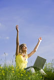 Sensation librement avec le fonctionnement mobile Photo stock
