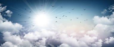 Sensazione tempestosa del cielo fotografie stock libere da diritti