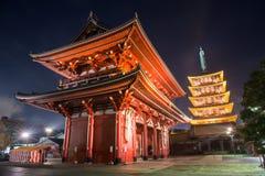 Senso籍寺庙在晚上,浅草,东京,日本 免版税库存照片