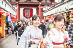 Sensoji寺庙的,东京人们 库存图片