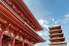 Sensoji shrine in Tokyo. Senjoji is most Tokyo\'s most famous Buddhist temple, is located in Asakusa, close to Sumida river. Foreground we can see Hozomon main Stock Photography