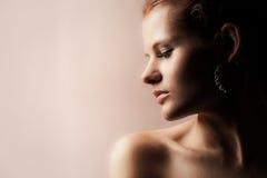 Sensueel redhead meisje stock fotografie
