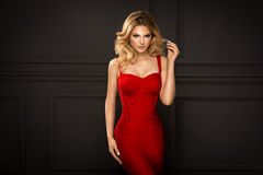 Sensuele mooie blondevrouw Royalty-vrije Stock Fotografie