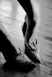 Foten och skor Fotografering för Bildbyråer