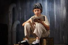 Sentada del adolescente Imagen de archivo libre de regalías