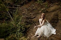 Sentada hermosa de la novia Imagen de archivo libre de regalías