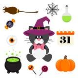 Sentada negra del gato lindo de la historieta con el lazo y el sombrero y el elemento de Halloween Imagen de archivo