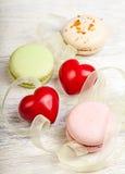 Sente e fondo del biglietto di S. Valentino dei dolci Immagini Stock