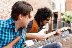 Sentez la musique Photo libre de droits