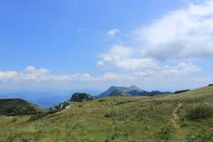 Sentier de randonnée dehors en parc national de Paklenica en Croatie Photographie stock