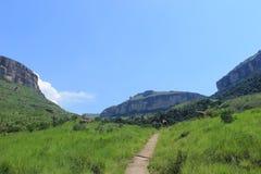 Sentier de randonnée en parc national natal royal en Afrique du Sud Image stock