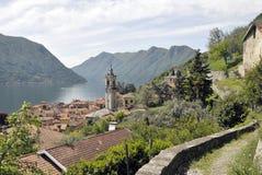 Sentier piéton au-dessus de Colonno sur le lac Como images libres de droits