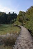 Sentieri costieri di legno nel lago Plitvice Fotografie Stock