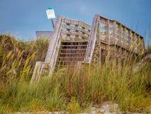 Sentiero costiero della spiaggia con l'avena del mare Fotografia Stock Libera da Diritti