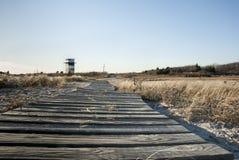 Sentiero costiero e torre di osservazione Immagine Stock