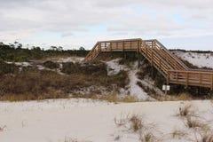 Sentiero costiero sopra le dune Fotografie Stock
