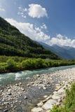 Sentiero della瓦尔泰利纳伦巴第,在蒂拉诺附近的意大利 库存照片