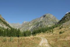 Sentiero per pedoni in alpi, Francia Fotografia Stock