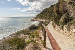Sentiero per pedoni, Cami de Ronda vicino al mar Mediterraneo Immagini Stock Libere da Diritti